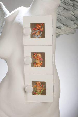 Angel, Detail